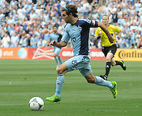 Football - Major League Soccer - Houston Dynamo at Sporting KC - The Sporting KC and the Houston Dynamo played to a 1-1 tie in regulation time at Sporting KC Park in Kansas City, Kansas, USA. Sporting KC midfielder/forward Graham Zusi (8) makes a run on goal late in the first half. .