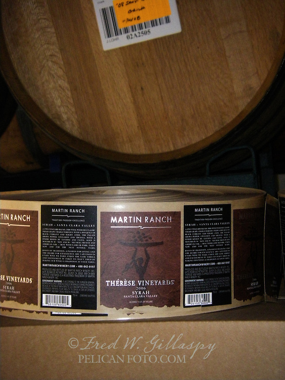 Wine Bottling 3908