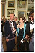 William Sieghart and Mary Ann Sieghart. Royal Academy annual dinner. Royal Academy. Picadilly. 30 May 2002. © Copyright Photograph by Dafydd Jones 66 Stockwell Park Rd. London SW9 0DA Tel 020 7733 0108 www.dafjones.com