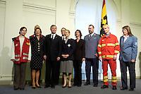11 JAN 2005, BERLIN/GERMANY:<br /> Eva Luise Koehler (2.v.L.), Praesidentengattin, Horst Koehler (3.v.L.), Bundespraesident, und Vertreter von Hilfsorganisationen, Neujahrsempfang des Bundespraesidenten, Schloss Charlottenburg<br /> IMAGE: 20050111-01-006<br /> KEYWORDS: Bundespräsident, Horst Köhler