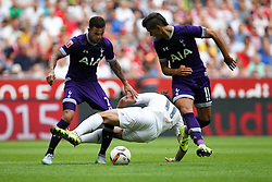 04.08.2015, Allianz Arena, Muenchen, GER, AUDI CUP, Real Madrid vs Tottenham Hotspur, im Bild l-r: im Zweikampf, Aktion, mit Danny Walker #2 (Tottenham Hotspur), Gareth Bale #11 (Real Madrid) und Erik Lamgla #11 (Tottenham Hotspur) // during the 2015 Audi Cup Match between Real Madrid and Tottenham Hotspur at the Allianz Arena in Muenchen, Germany on 2015/08/04. EXPA Pictures © 2015, PhotoCredit: EXPA/ Eibner-Pressefoto/ Kolbert<br /> <br /> *****ATTENTION - OUT of GER*****