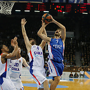Anadolu Efes's Stratos Perperoglou (2ndR) and CSKA Moscow's Milos Teodosic (4ndL) during their Turkish Airlines Euroleague Basketball Top 16 Round 3 match Anadolu Efes between CSKA Moscow at Abdi ipekci arena in Istanbul, Turkey, Thursday 15, 2015. Photo by Aykut AKICI/TURKPIX