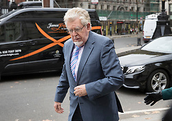 © Licensed to London News Pictures. 07/11/2017. London, UK. Rolf Harris arrives at The High Court to launch a new application to challenge his conviction for sex offences. Photo credit: Peter Macdiarmid/LNP