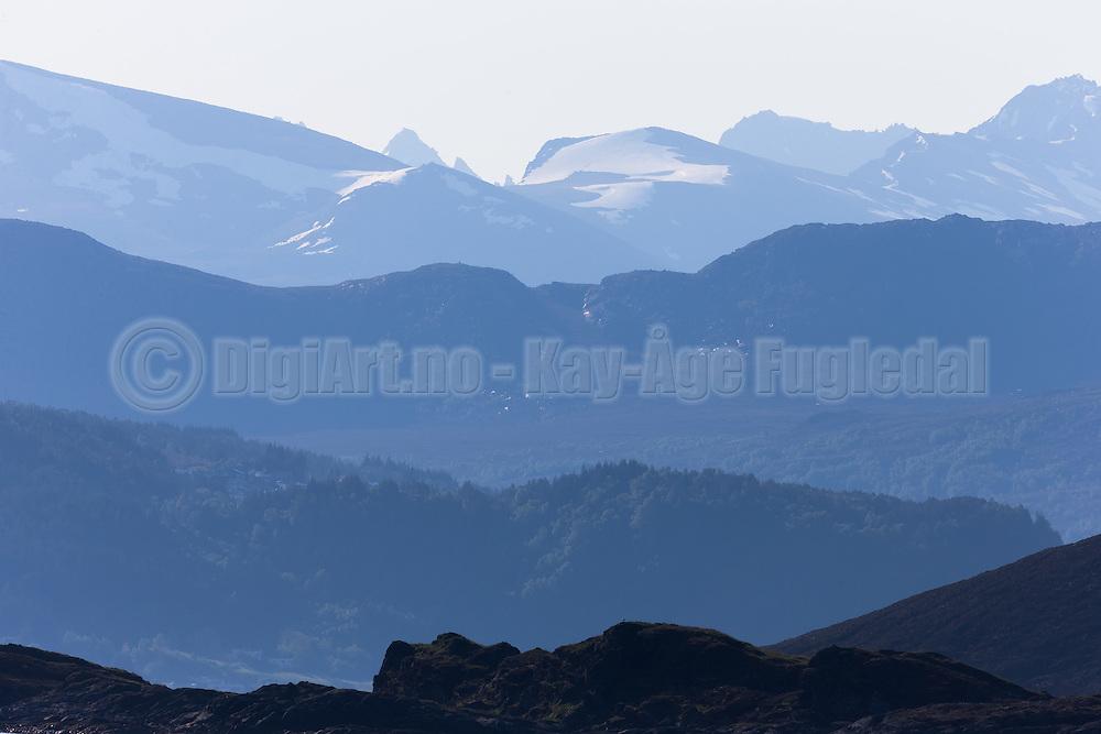Montains on the west coast of Norway   Utsikt mot Vartdalsfjella.