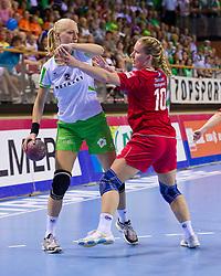 02-06-2011 HANDBAL: BEKERFINALE QUINTUS - SEW: ALMERE<br /> (L-R) Dorien van Wissen, Linda Kamp<br /> ©2011-FotoHoogendoorn.nl / Peter Schalk
