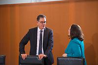 DEU, Deutschland, Germany, Berlin, 14.12.2016: Bundesentwicklungshilfeminister Dr. Gerd Müller (CSU) und Bundesarbeitsministerin Andrea Nahles (SPD) vor Beginn der 129. Kabinettsitzung im Bundeskanzleramt.