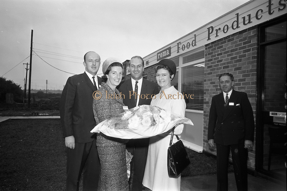 10/10/1966<br /> 10/10/1966<br /> 10 October 1966<br /> Opening of new Roma Foods Products Ltd. factory at Finglas, Dublin. Picture shows Mrs. Patrick Meade (right0 presenting a bouquet to Mrs. Mary Colley. Also in the image are Mr. Patrick Meade; Minister for Industry and Commerce, Mr. George Colley and Mr. Antonio Nico.