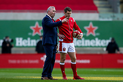 Wales head coach Wayne Pivac speaks to Dan Biggar of Wales - Mandatory by-line: Robbie Stephenson/JMP - 28/11/2020 - RUGBY - Parc y Scarlets - Swansea, Wales - Wales v England - Autumn Nations Cup