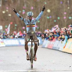 29-01-2017: Wielrennen: Wereldkampioenschap veldrijden: Luxemburg<br /> BIELES (LUX) cyclocross<br /> Wout van Aert prolongeerd de titel in het veld bij de profs