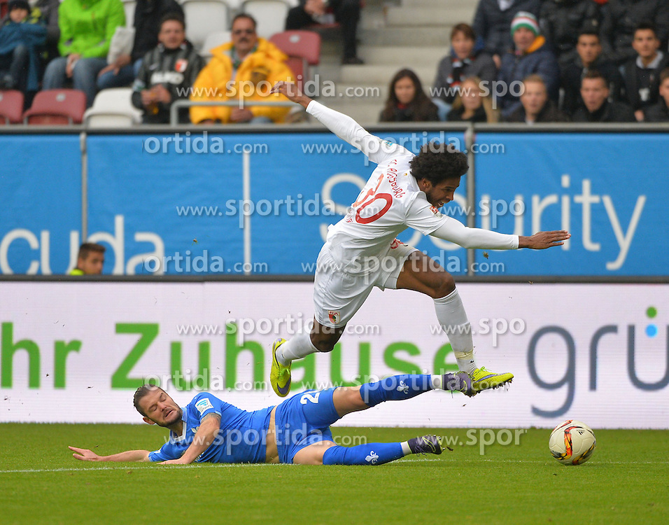 17.10.2015, WWK Arena, Augsburg, GER, 1. FBL, FC Augsburg vs SV Darmstadt 98, 9. Runde, im Bild Marcel Heller #20 (SV Darmstadt 98) im Zweikampf gegen Caiuby #30 (FC Augsburg) // during the German Bundesliga 9th round match between FC Augsburg and SV Darmstadt 98 at the WWK Arena in Augsburg, Germany on 2015/10/17. EXPA Pictures © 2015, PhotoCredit: EXPA/ Eibner-Pressefoto/ Hiermayer<br /> <br /> *****ATTENTION - OUT of GER*****