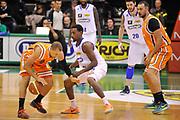 DESCRIZIONE : Treviso Lega due 2015-16  Universo Treviso De Longhi - Aurora Basket Jesi<br /> GIOCATORE : josh greene<br /> CATEGORIA : Palleggio<br /> SQUADRA : Universo Treviso De Longhi - Aurora Basket Jesi<br /> EVENTO : Campionato Lega A 2015-2016 <br /> GARA : Universo Treviso De Longhi - Aurora Basket Jesi<br /> DATA : 31/10/2015<br /> SPORT : Pallacanestro <br /> AUTORE : Agenzia Ciamillo-Castoria/M.Gregolin<br /> Galleria : Lega Basket A 2015-2016  <br /> Fotonotizia :  Treviso Lega due 2015-16  Universo Treviso De Longhi - Aurora Basket Jesi