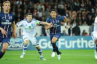 FOOTBALL - UEFA CHAMPIONS LEAGUE 2012/2013 - GROUP STAGE - GROUP A - PARIS SAINT GERMAIN v DYNAMO KIEV - 18/09/2012 - PHOTO JEAN MARIE HERVIO / REGAMEDIA / DPPI - Thiago Silva (PSG) / Taras Mikhalik (KIEV)