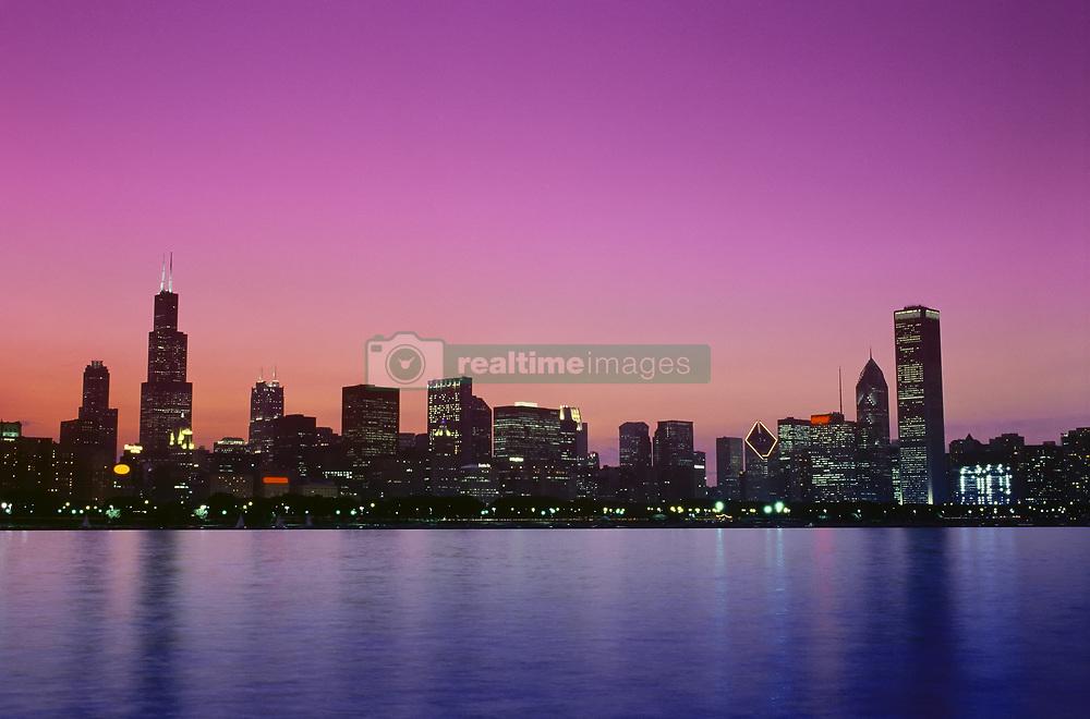 July 21, 2019 - Chicago Skyline At Dusk, Illinois, Usa (Credit Image: © Bilderbuch/Design Pics via ZUMA Wire)