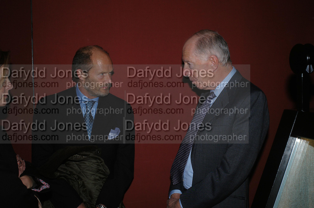 Harry Fane and Lord Rothschild. Masterpieces of American Jewelry at the Gilbert Collection. Somerset House. 14 February 2005. ONE TIME USE ONLY - DO NOT ARCHIVE  © Copyright Photograph by Dafydd Jones 66 Stockwell Park Rd. London SW9 0DA Tel 020 7733 0108 www.dafjones.com