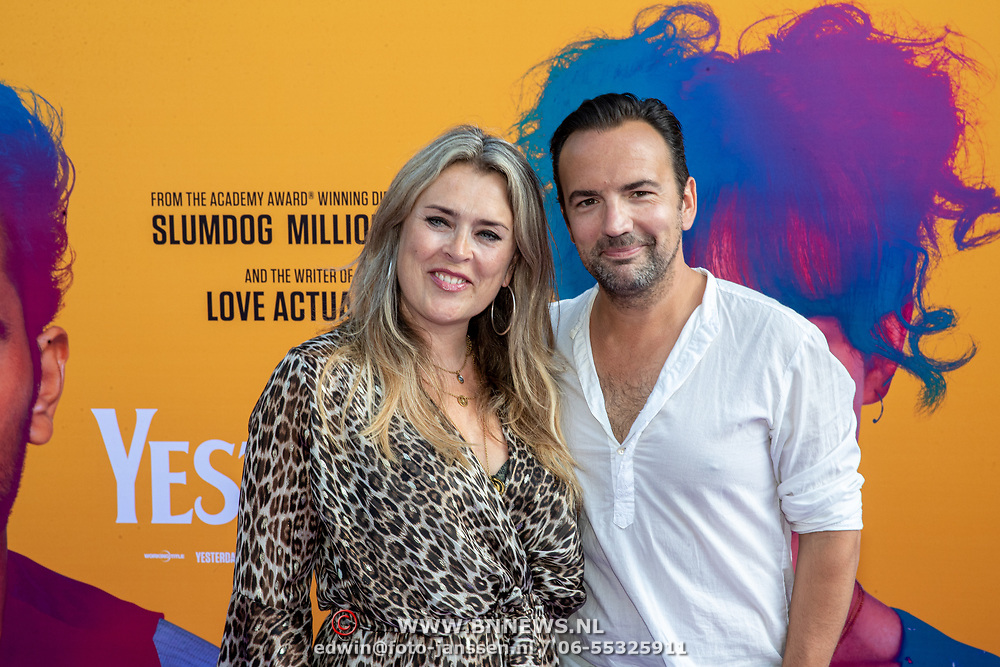 NLD/Amsterdam/20190624 - speciale voorvertoning Yesterday, Nicole Smits en partner  Gerard Ekdom