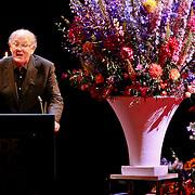 NLD/Amsterdam/20110722 - Afscheidsdienst voor John Kraaijkamp, toespraak van Joop van de Ende