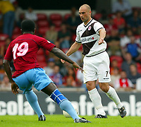 Fotball<br /> Tyskland 2004/05<br /> Treningskamp<br /> FC St. Pauli v Trabzonspor<br /> 16. juli 2004<br /> Foto: Digitalsport<br /> NORWAY ONLY<br /> AUGUSTIN, Andreas MAYER Pauli