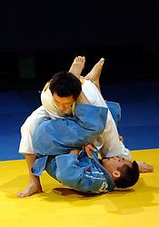 18-03-2006 JUDO: DUTCH OPEN: ROTTERDAM<br /> Leon Borgsteede heeft geen bronzen medaille kunnen behalen op de Dutch Open. De Belg Gascard gaf niet toe aan de aspiraties van Borgsteede<br /> Copyrights: WWW.FOTOHOOGENDOORN.NL