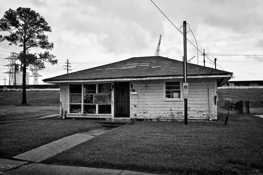 An abandoned and uninhabitable house still sits in a state of disrepair in Pontchartrain Park in Gentilly, New Orleans five years after being damaged by Hurricane Katrina. Photo by Skip Bolen.