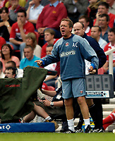 Fotball<br /> England 2005/2006<br /> Foto: SBI/Digitalsport<br /> NORWAY ONLY<br /> <br /> FA Barclays Premiership<br /> Middlesbrough v Charlton<br /> 28/08/2005.<br /> <br /> Charlton manager Alan Curbishley orchestrates an excellent away win for his side.