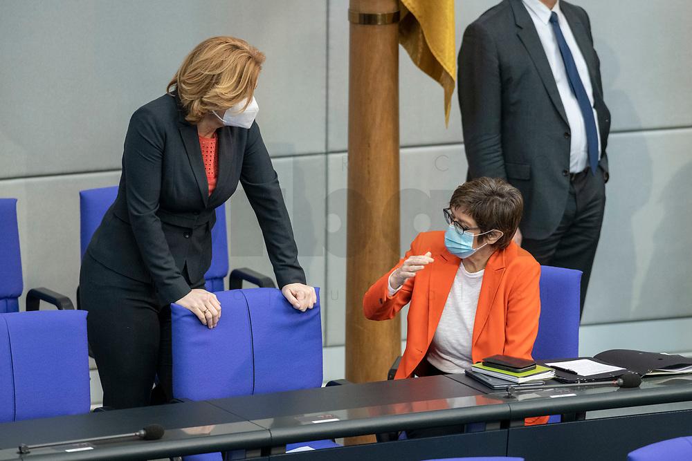 05 MAR 2021, BERLIN/GERMANY:<br /> Julia Kloeckner (L), MdB, CDU, Bundeslandwirtschaftsministerin, und Annegret Kramp-Karrenbauer (R), CDU, Bundesverteidigungsministerin, im Gespraech, vor Beginn der Debatte zum Internationalen Frauentag; Plenum, Reichstagsgebaeude, Deutscher Bundestag<br /> IMAGE: 20210305-01-004<br /> KEYWORDS: Gespräch, Julia Klöckner, Maske, Mundschutz, Covid-19, Corona