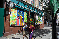 © Licensed to London News Pictures. 24/08/2018. London, UK. Windows boarded up around Notting Hill, West London ahead of the 2018 Notting Hill Carnival which starts this weekend. Photo credit: Ben Cawthra/LNP