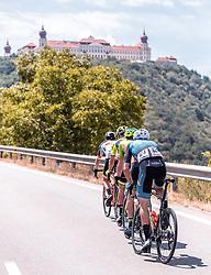 08.07.2019, Wiener Neustadt, AUT, Ö-Tour, Österreich Radrundfahrt, 2. Etappe, von Zwettl nach Wiener Neustadt (176,9 km), im Bild Spitzengruppe beim Anstieg, Matthias Krizek (Team Felbermayr Simplon Wels, AUT), Benediktinerstift Göttweig // Spitzengruppe beim Anstieg, Matthias Krizek (Team Felbermayr Simplon Wels, AUT), Benediktinerstift Göttweig during 2nd stage from Zwettl to Wiener Neustadt (176,9 km) of the 2019 Tour of Austria. Wiener Neustadt, Austria on 2019/07/08. EXPA Pictures © 2019, PhotoCredit: EXPA/ JFK
