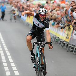 27-06-2014: Wielrennen: NK wielrennen: Ootmarsum Beloften Tim Kerkhof pakt verrassend de titel bij de beloften
