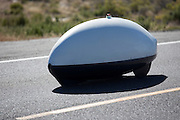 De Slippery Slug handbike tijdens de vierde racedag. In Battle Mountain (Nevada) wordt ieder jaar de World Human Powered Speed Challenge gehouden. Tijdens deze wedstrijd wordt geprobeerd zo hard mogelijk te fietsen op pure menskracht. Ze halen snelheden tot 133 km/h. De deelnemers bestaan zowel uit teams van universiteiten als uit hobbyisten. Met de gestroomlijnde fietsen willen ze laten zien wat mogelijk is met menskracht. De speciale ligfietsen kunnen gezien worden als de Formule 1 van het fietsen. De kennis die wordt opgedaan wordt ook gebruikt om duurzaam vervoer verder te ontwikkelen.<br /> <br /> The Slippery Slug hand bike on the fourth racing day. In Battle Mountain (Nevada) each year the World Human Powered Speed ??Challenge is held. During this race they try to ride on pure manpower as hard as possible. Speeds up to 133 km/h are reached. The participants consist of both teams from universities and from hobbyists. With the sleek bikes they want to show what is possible with human power. The special recumbent bicycles can be seen as the Formula 1 of the bicycle. The knowledge gained is also used to develop sustainable transport.