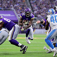 MINNEAPOLIS, MN - NOVEMBER 4: Latavius Murray #25 of the Minnesota Vikings runs with the ball in the first quarter of the game against the Detroit Lions at U.S. Bank Stadium on November 4, 2018 in Minneapolis, Minnesota. (Photo by Adam Bettcher/Getty Images) *** Local Caption *** Latavius Murray