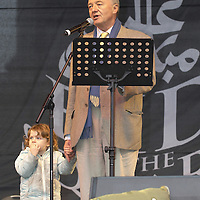 The Mayor of London Ken Livingston opening Eid in the Square, Trafalgar Square, London.  The first ever Eid ul-Fitr celebration in the Square  on 28th October 2006.<br />