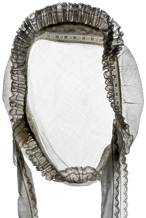 maid cap with lace ornament