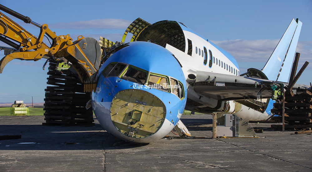 Boeing leased the plane to perform tests under its EcoDemonstrator program, which researches technologies that can improve the environmental performance of Boeing's jets. <br /> <br /> <br /> Mike Siegel/The Seattle Times
