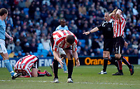 Photo: Jed Wee.<br /> Manchester City v Sunderland. The Barclays Premiership. 05/03/2006.<br /> <br /> Sunderland players show their disappointment as a good chance goes begging.