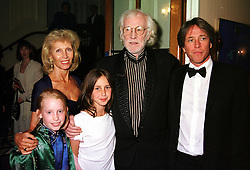 Left to right, the HON.ELIZABETH HARRIS, her former husband actor RICHARD HARRIS<br />  and their son MR DAMIAN HARRIS with his children ELLA and FLORA, at a reception in London on 25th May 2000.OEO 26<br /> © Desmond O'Neill Features:- 020 8971 9600<br />    10 Victoria Mews, London.  SW18 3PY <br /> www.donfeatures.com   photos@donfeatures.com<br /> MINIMUM REPRODUCTION FEE AS AGREED.