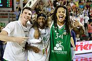 DESCRIZIONE : Roma Lega A 2012-13 Acea Virtus Roma Montepaschi Siena Finale Gara 5<br /> GIOCATORE : Matt Janning Bobby Brown David Moss<br /> CATEGORIA : post game esultanza curiosita <br /> SQUADRA : Montepaschi Siena<br /> EVENTO : Campionato Lega A 2012-2013 Play Off Finale Gara 5<br /> GARA : Acea Virtus Roma Montepaschi Siena Finale Gara 5<br /> DATA : 19/06/2013<br /> SPORT : Pallacanestro <br /> AUTORE : Agenzia Ciamillo-Castoria/N. Dalla Mura<br /> Galleria : Lega Basket A 2012-2013 <br /> Fotonotizia : Roma Lega A 2012-13 Acea Virtus Roma Montepaschi Siena Finale Gara 5