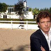 NLD/Eemnes/20060921 - Perspresentatie de Gouden Kooi, John de Mol voor de villa