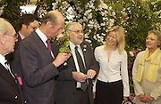 The Duke of Kent, Peter Beales ( rose-grower)  and Lady Helen Taylor\, Chelsea Flower show, 25 May 2004. ONE TIME USE ONLY - DO NOT ARCHIVE  © Copyright Photograph by Dafydd Jones 66 Stockwell Park Rd. London SW9 0DA Tel 020 7733 0108 www.dafjones.com
