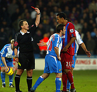 Fotball<br /> Premier League England 2004/2005<br /> Foto: SBI/Digitalsport<br /> NORWAY ONLY<br /> <br /> Crystal Palace v Blackburn Rovers<br /> Barclays Premiership. 11/12/2004<br /> <br /> Alan Wiley shows David Thompson of Blackburn his second yellow and then red card