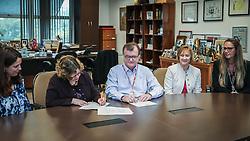 O empresário José Galló, presidente das Lojas Renner durante assinatura de contrato com a ONU, em Porto Alegre. FOTO: Jefferson Bernardes / Agência Preview
