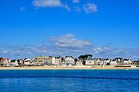 France, Morbihan (56), côte sauvage, Presqu'île de Quiberon, Quiberon, Port Maria, ses demeures de charme et sa grande plage // France, Morbihan (56), Wild Coast, Presqu'île de Quiberon, Quiberon, Port Maria, its mansions of charm and its great beach