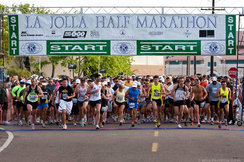 The 2009 La Jolla Half Marathon begins with a record 6,500 entries.