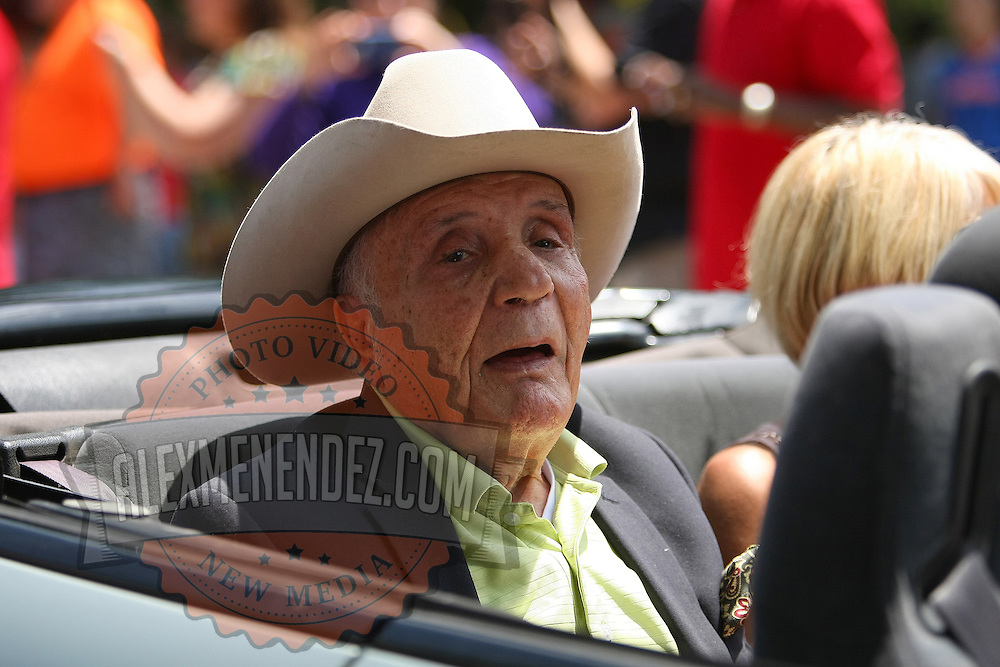 Boxer Jake Lamotta is seen in the parade of champions during the 2013 International Boxing Hall of Fame induction ceremony  on Sunday, June 9, 2013 in Canastota, New York.  (AP Photo/Alex Menendez)