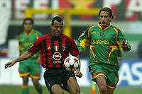 Fotball<br /> Serie A Italia 2004/2005<br /> Foto: Graffiti/Digitalsport<br /> NORWAY ONLY<br /> <br /> Mialno 6/1/2005<br /> <br /> Milan Lecce 5-2 <br /> Ac Milan Marcos Cafu and Us Lecce Samuele Dalla Bona
