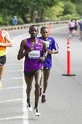 UAE Healthy Kidney 10K, Stephen Sambu leads Geoffrey Mutai late in race