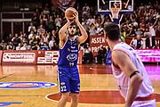 DESCRIZIONE : Reggio Emilia LegaBasket Serie A 2015-2016 Grissin Bon Reggio Emilia - Acqua Vitasnella Cantu'<br /> GIOCATORE : Amedeo Tessitori<br /> CATEGORIA : Tiro Tre Punti Three Point<br /> SQUADRA : Acqua Vitasnella Cantu'<br /> EVENTO : LegaBasket Serie A 2015-2016<br /> GARA : Grissin Bon Reggio Emilia - Acqua Vitasnella Cantu'<br /> DATA : 17/10/2015<br /> SPORT : Pallacanestro<br /> AUTORE : Agenzia Ciamillo-Castoria/GiulioCiamillo