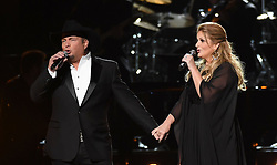 Trisha Yearwood, Garth Brooks bei den 50. Country Music Awards in Nashville / 021116<br /> <br /> *** Country Music Awards 2016, Nashville, USA, November 2, 2016 ***