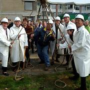1e Paal nieuwbouw de Bolder Weideweg Huizen, slaan 1e paal