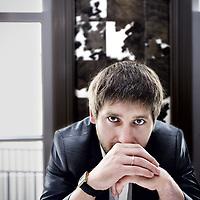 Nederland, Amsterdam , 29 mei 2013.<br /> Magamed Abubakarov.<br /> Magamed Abubakarov is een etnische Tsjetsjeen die zich als advocaat vestigde in Grozny, Tsjetsjenië, in 2004. Hij treedt met name op in politiek gevoelige zaken.<br /> Sinds 2007 heeft hij verschillende verdachten met een islamitisch-politiek profiel bijgestaan in het eerste Russische massale strafproces in Nalchik, de hoofdstad van Kabardino-Balkaria (een provincie in de Noordelijke Caucasus). Dit massaproces had betrekking op de doorzoeking van overheidsgebouwen in Nalchik door een groep gewapende (islamitische) burgers in oktober 2005. Volgens Abubakarov was de doorzoeking een reactie op de anti-islamitische onderdrukking op dat moment, maar volgens de overheid was het een coup van seperatistische islamitische terroristen. Eén van zijn cliënten is Rasul Kudayev, één van zeven Russische staatsburgers die uit Guantanamo Bay werden vrijgelaten in 2004 om vervolgens gevangen te worden gezet en gemarteld in Rusland.<br /> Magamed Abubakarov is an ethnic Chechen who established himself as a lawyer in Grozny, Chechnya, in 2004. He works primarily in politically sensitive cases.