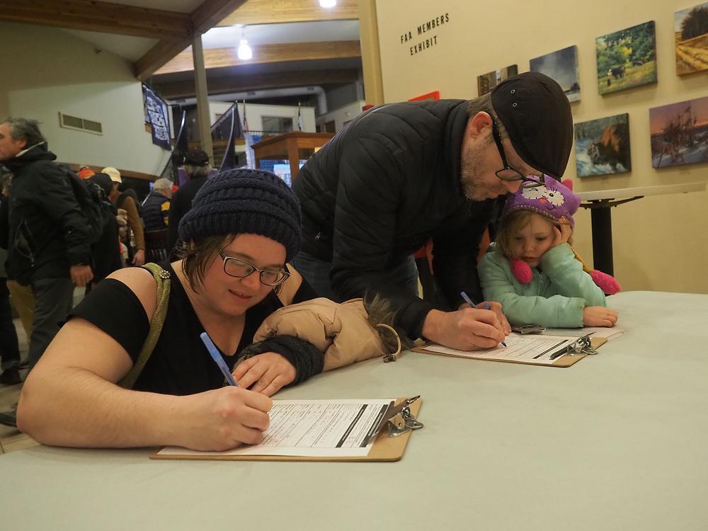 Fairfield Iowa residents register for Iowa caucus on February 3